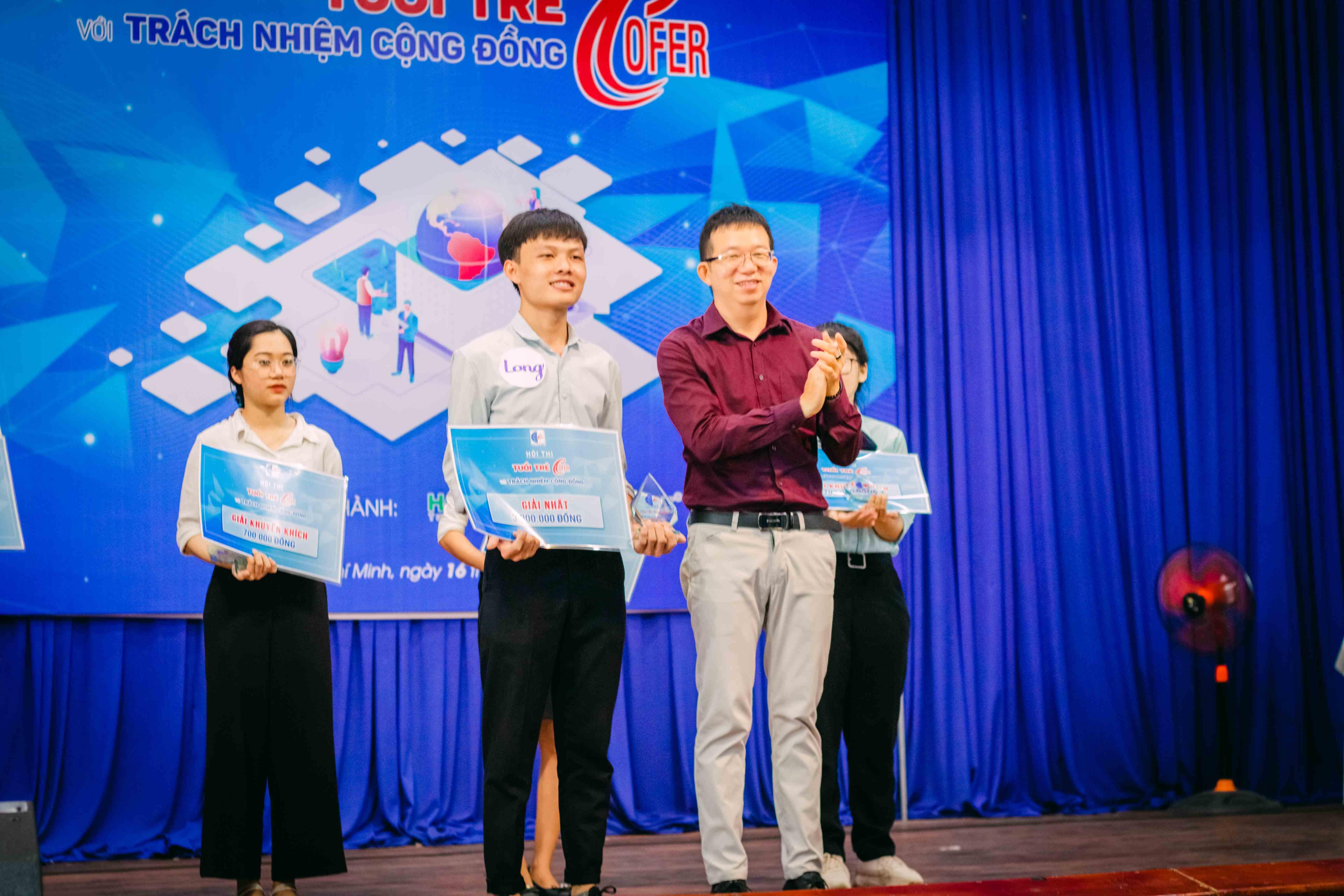Giải Nhất Cuộc thi đã thuộc về Đào Thành Long – lớp CĐQTDN22I